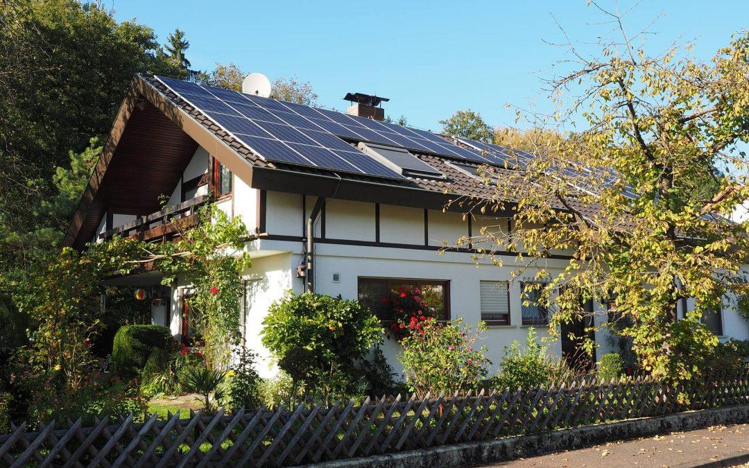 Instala placas solares y aumenta el valor de tu vivienda