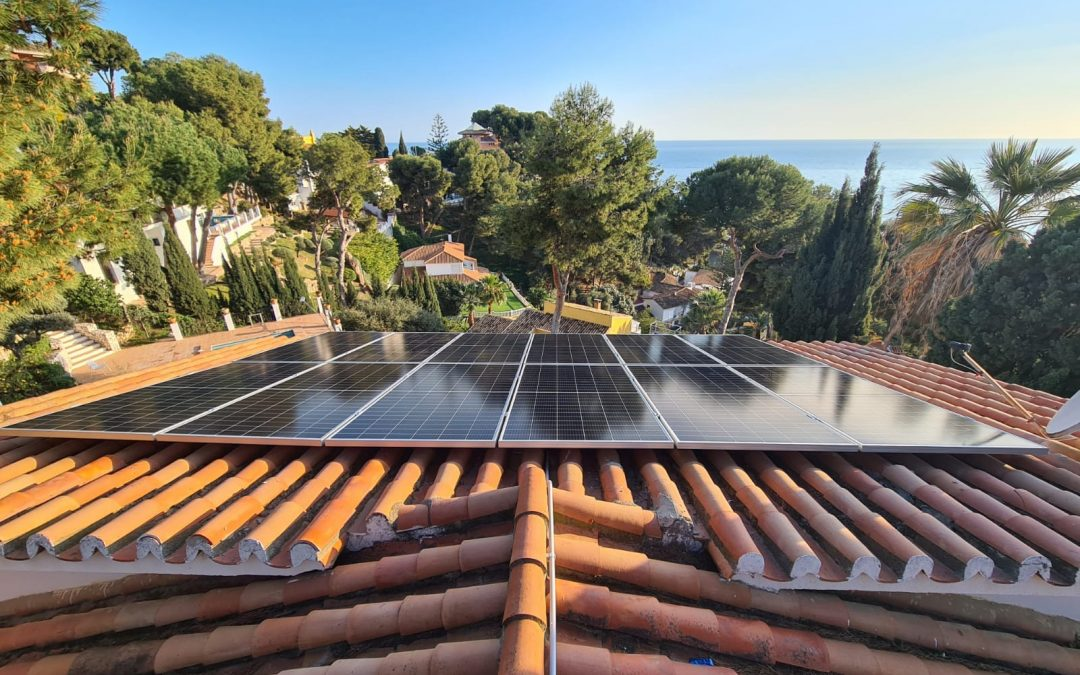 Placas solares de Social Energy antes de ir al reciclado