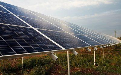 Placas solares, ¿en vivienda o empresa?